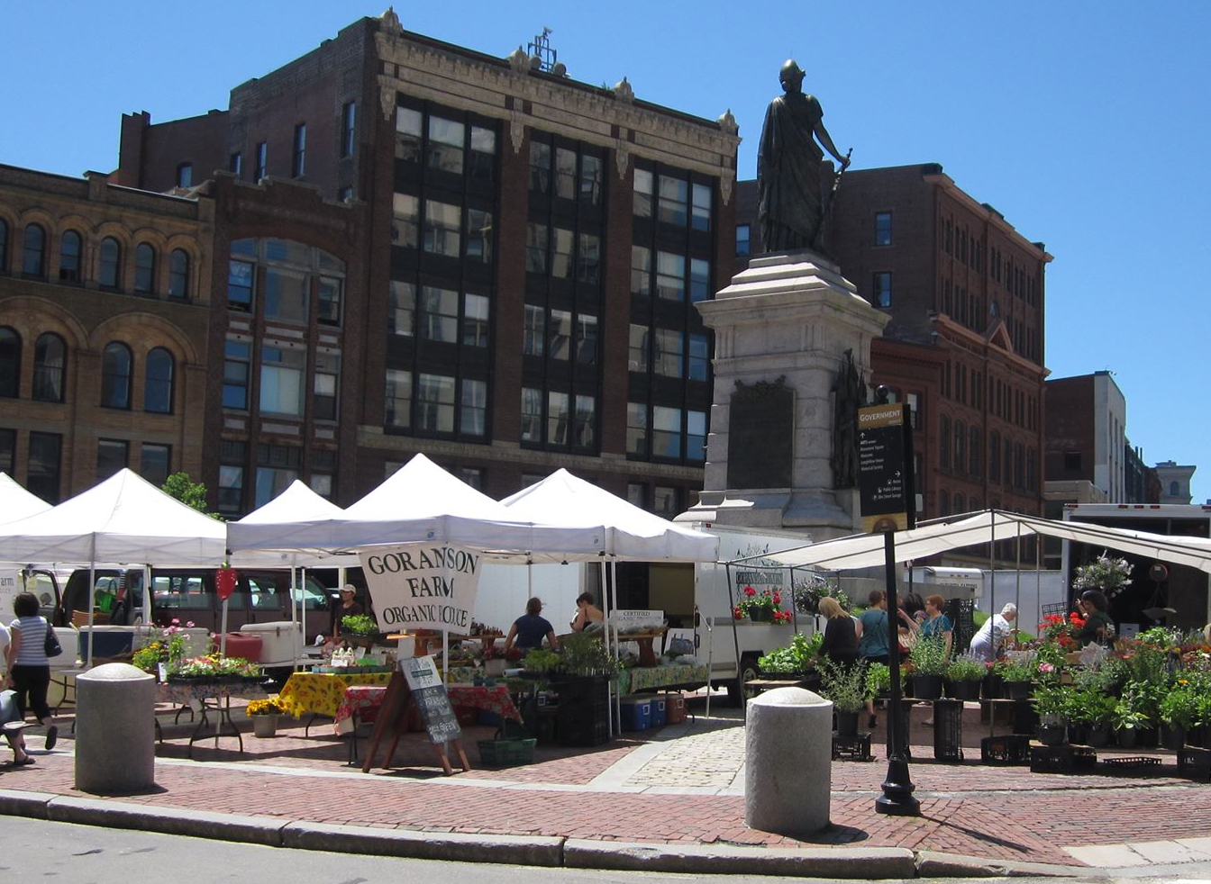 Portland Farmer's Market Monument Square (photo: Buoy Local)